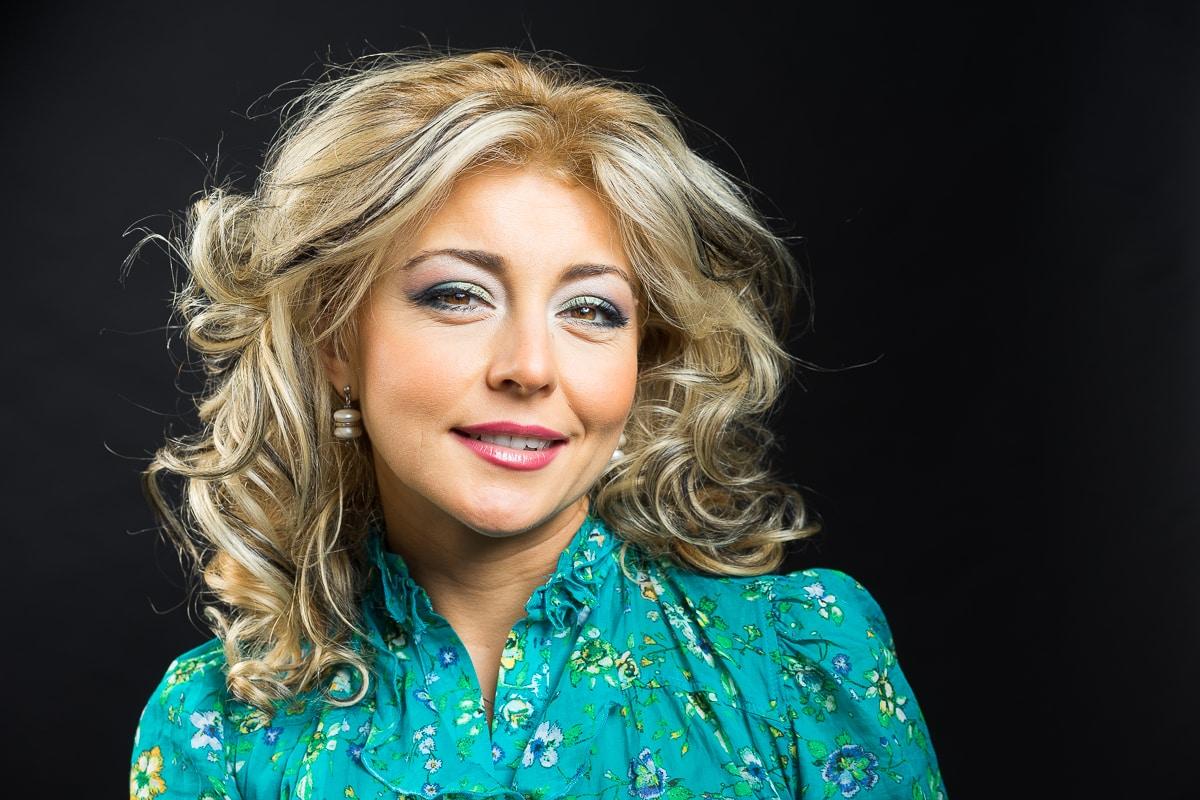 Alexandra Velniciuc by Simion Buia