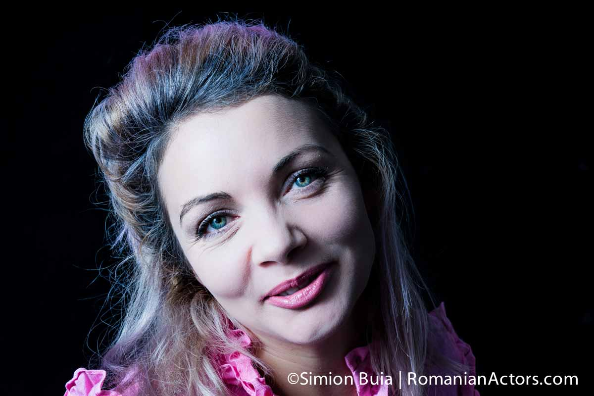 Claudia Ardelean by Simion Buia, actrita, Teatrul Andrei Muresanu Sfantu Gheorghe, Romanian Actors by Simion Buia