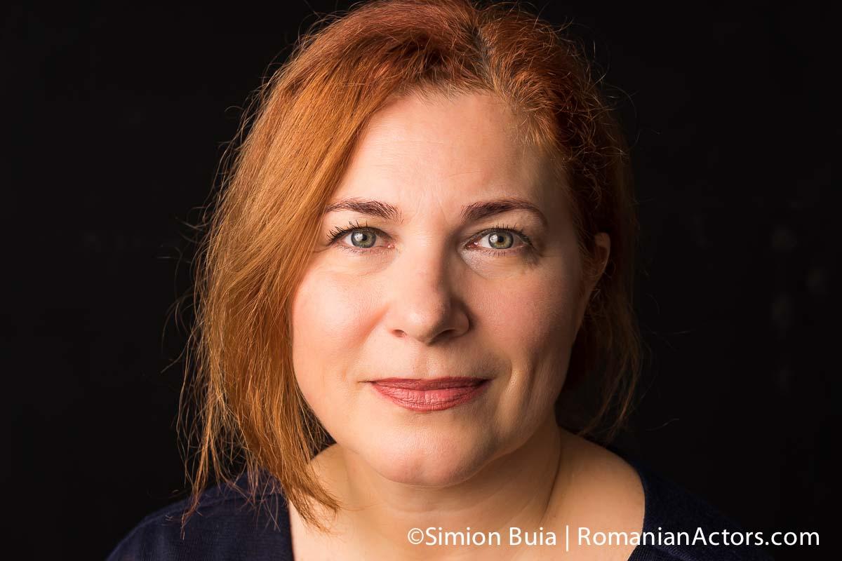 Mirela Bucur, actrita, Teatrul Andrei Muresanu Sfantu Gheorghe, regizor, fotografie de Simion Buia, copyright, Romanian Actors by Simion Buia
