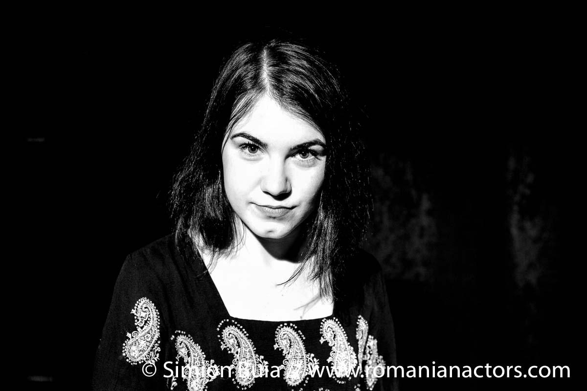 Alexandra CHEROIU by Simion Buia www.romanianactors.com-7060