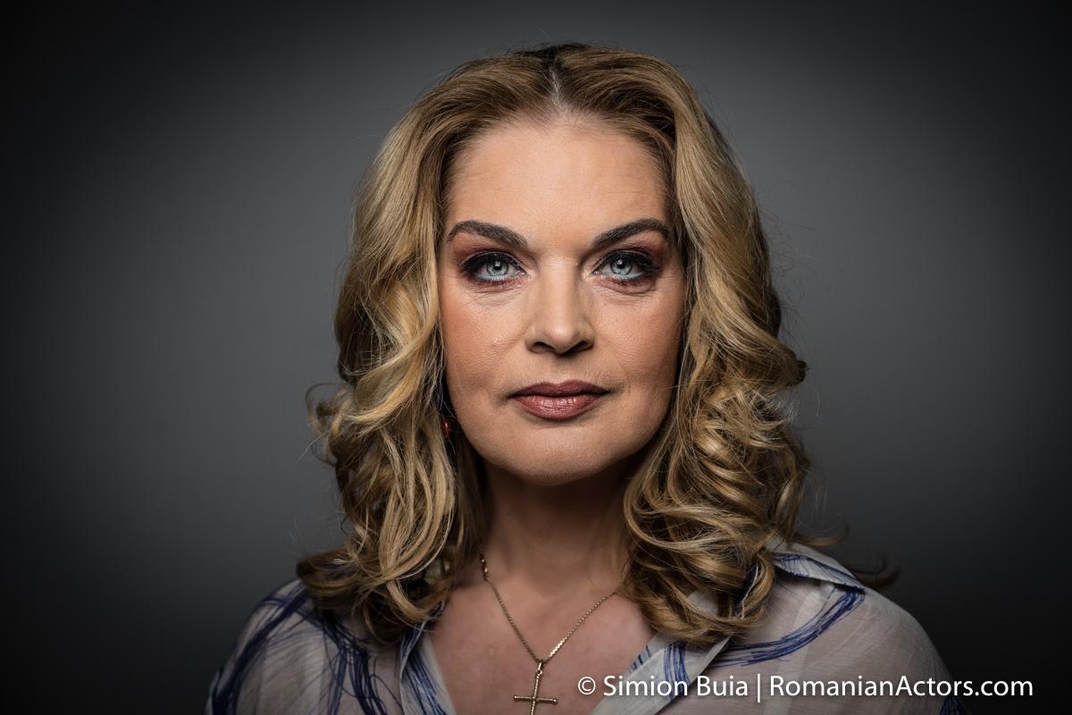 Manuela Hărăbor Romanian Actors by Simion Buia -0365
